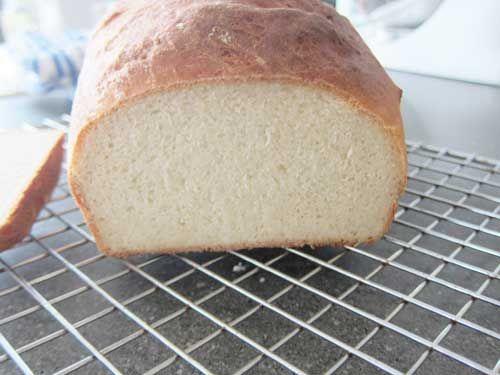 Milk Shokupan (Japanese Style White Sandwich Bread) Recipe ...