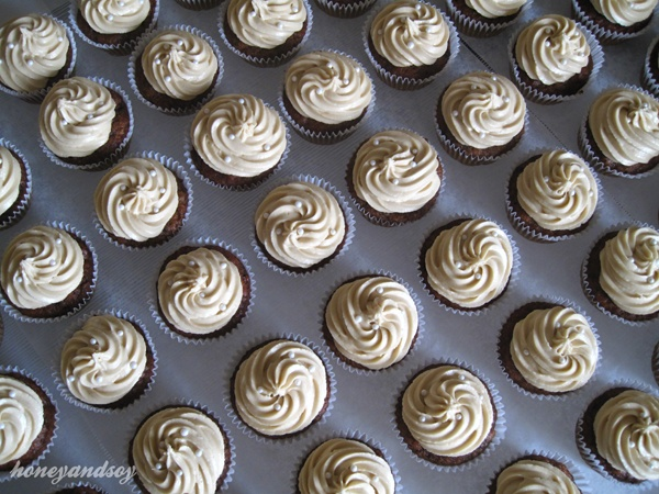 sticky date pudding cupcakes | Baking | Pinterest