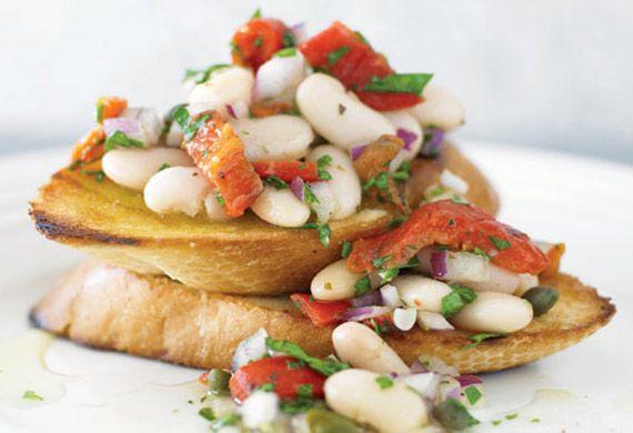 White Bean Crostini | Appetizers and Snacks | Pinterest