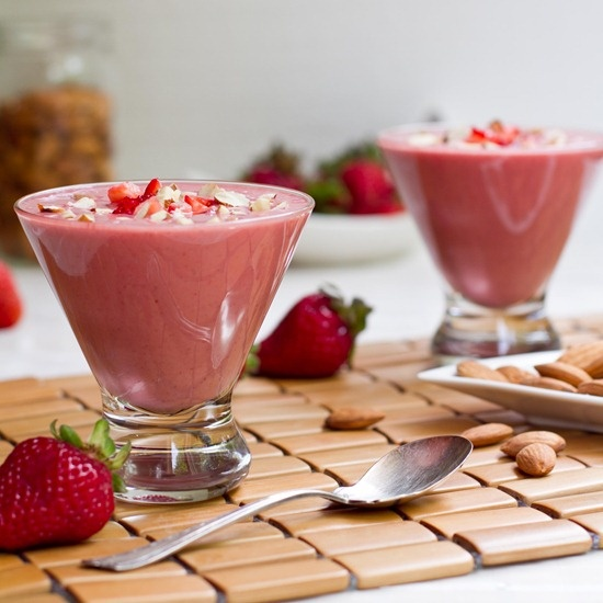 Chilled Strawberry Almond Butter Soup | 4th of July | Pinterest