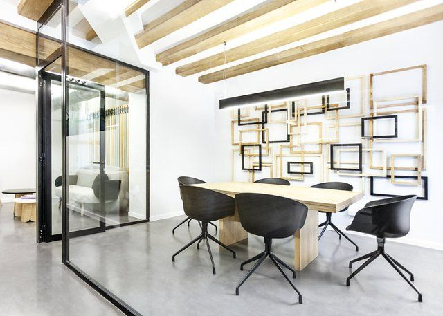 Cool meeting room office workspace pinterest for Cool office rooms