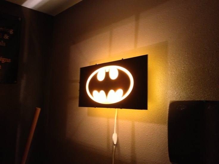 Batman Wall Light Diy : Pin by Amanda Swyter on Nnn nn nnnn Batman!!!!! Pinterest