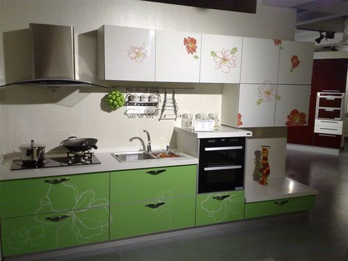 Custom painting cabinets for kitchen kitchen cabinets for Color combination for kitchen cabinets