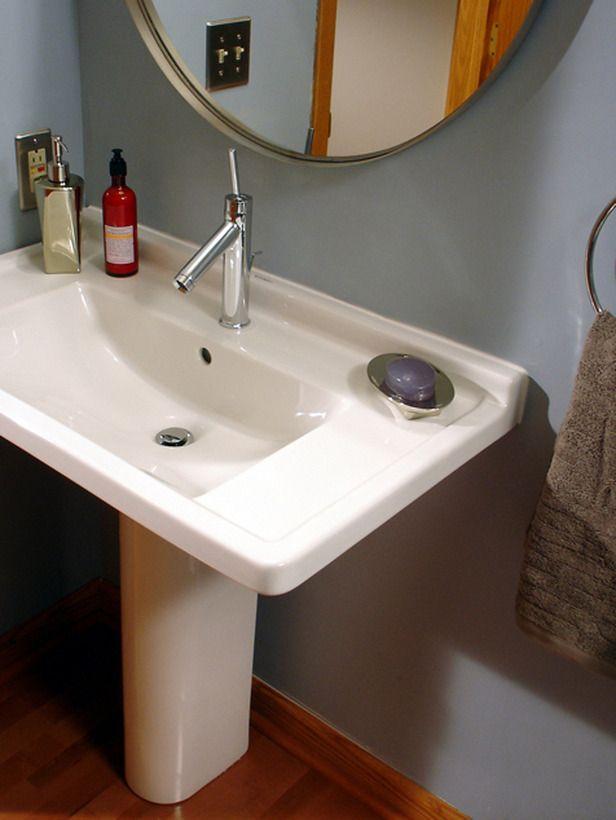 cool pedestal sink Herms toilette Pinterest