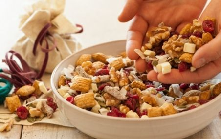 Best Ever Take-Along Snack: Trail Mix | Food | Pinterest