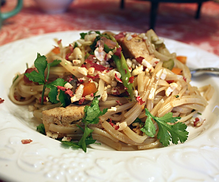 Vegan pad thai. | Delicious | Pinterest