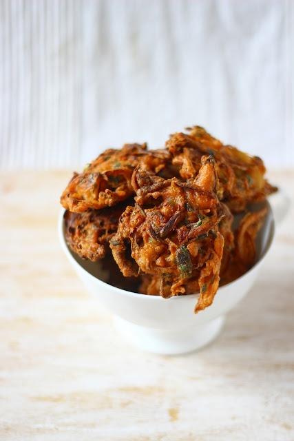 Onion Pakoras/Bajjis - Onions Fritters in Chickpea Batter - Gluten ...