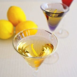 Limoncello Recipe - The lemon-y flavored vodka. Drink it straight. Or ...