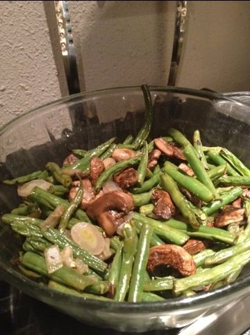 Roasted Green Beans with Mushrooms and Parmesan. DELICIOUS!