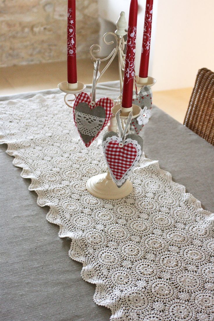 Crochet Table Runner : French Vintage Crocheted Table Runner