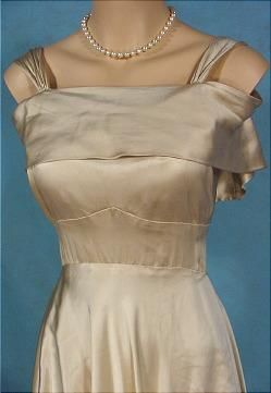 Pin by emily 39 svintagevisions on vintage wedding dresses for Wedding dress large bust small waist