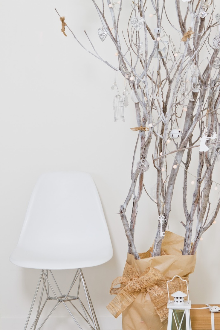 Branch christmas tree twig decor pinterest for Tree twigs decoration