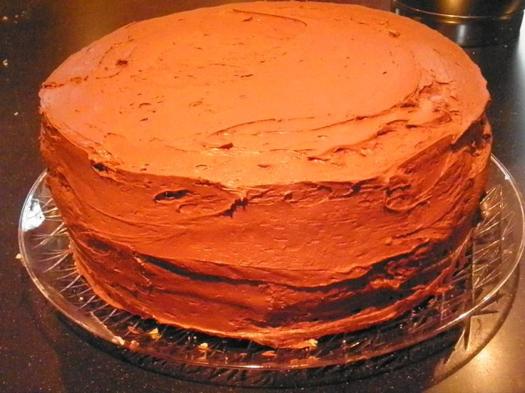 chocolate Cake with Raspberry Buttercream Filling and Deep Chocolate ...