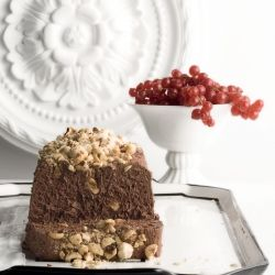 Chocolate Mousse with Hazelnuts - Delicious and airy chocolate mousse ...