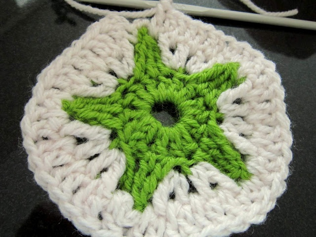 Crochet Yarn Over : yarn over