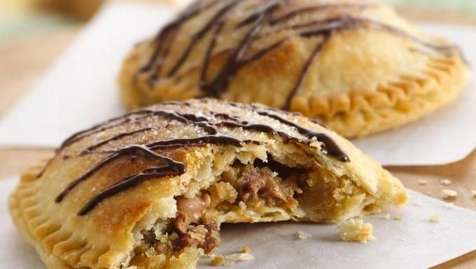 Peanut Butter Cup Cookie-Stuffed Pies, very unhealthy but they look ...