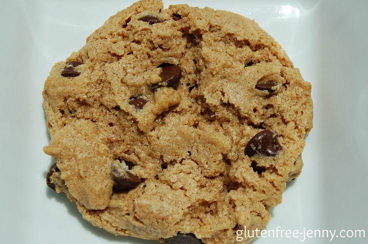 Gluten Free Flourless Almond Chocolate Chip Cookies