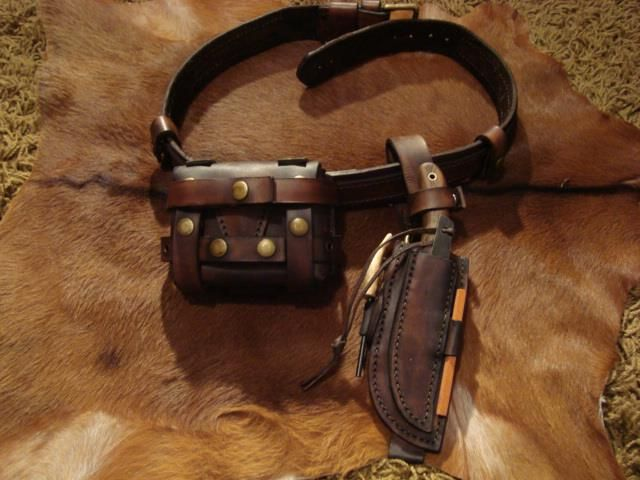 bushcraft kit by luciano chaybor bushcrafters leather