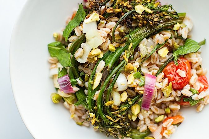 Farro and Roasted Broccolini Salad | A healthier you | Pinterest