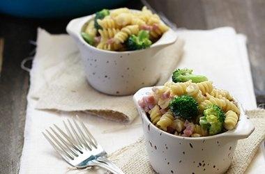 Cheesy Broccoli and Ham Rotini | Food & Drink | Pinterest