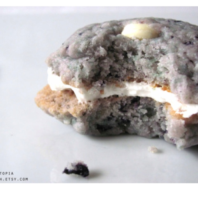 Blueberry muffin and white chocolate chip cookies