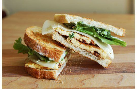 Breakfast Leftovers for Lunch: The Frittata Sandwich