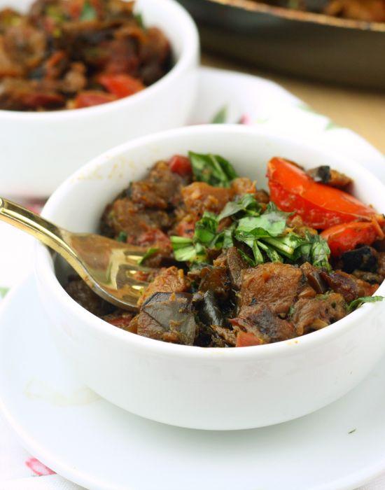 ... diced tomatoes, fresh thyme, bay leaf, salt & pepper, fresh basil