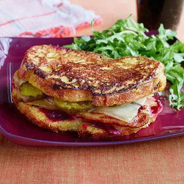 Sandwiches stacked on bagels. Crispy, cheesy hash. Monte Cristo mania ...