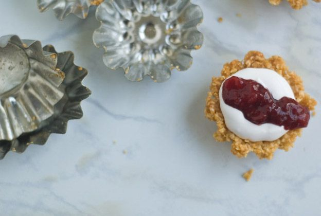 ... Oats: Almond-Coconut Cream Tart with spiced strawberry chutney {V/GF