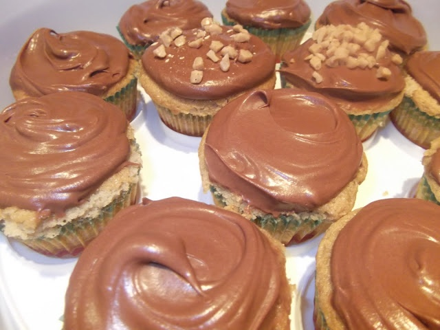 Malted Vanilla Cupcakes with Whipped Caramel Ganache Frosting ...