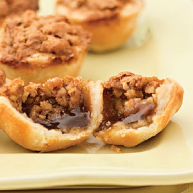 Southern Pecan Christmas Tassies | food/recipes | Pinterest