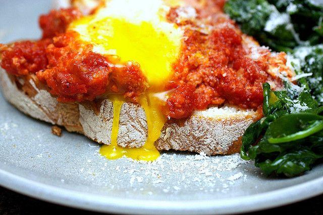 eggs in tomato sauce | Breakfast Beauties | Pinterest