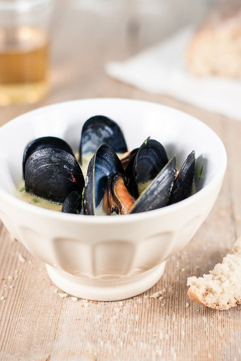 Steamed Mussels with Saffron Sauce | food | Pinterest