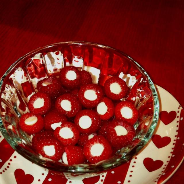 Chocolate stuffed raspberries - Yum!! | craft | Pinterest