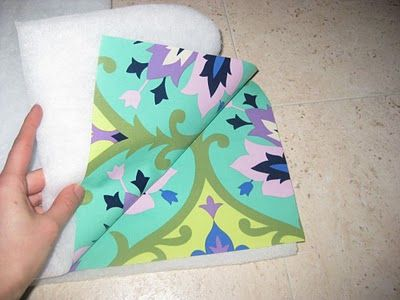 sewing with laminated cotton - babystoel cover