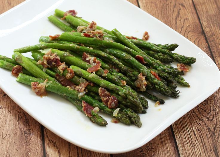 Asparagus Cooked With a Delicious and Simple Bacon Dijon Sauce
