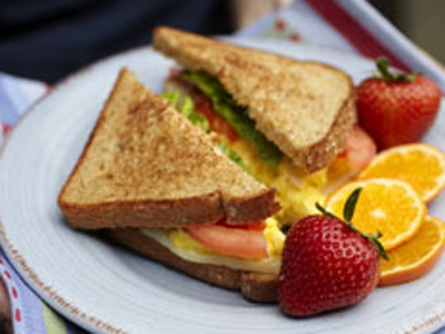 tomato egg tomato and scallion sandwich mealgarden egg tomato and