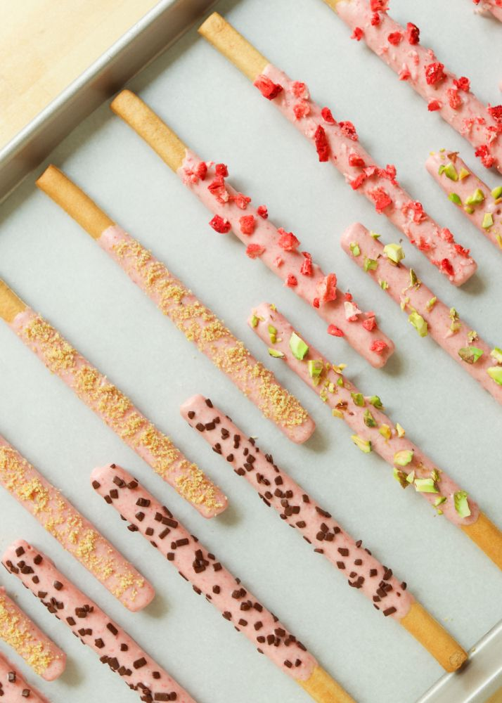 Homemade Strawberry Pocky | Sweet Tooth | Pinterest
