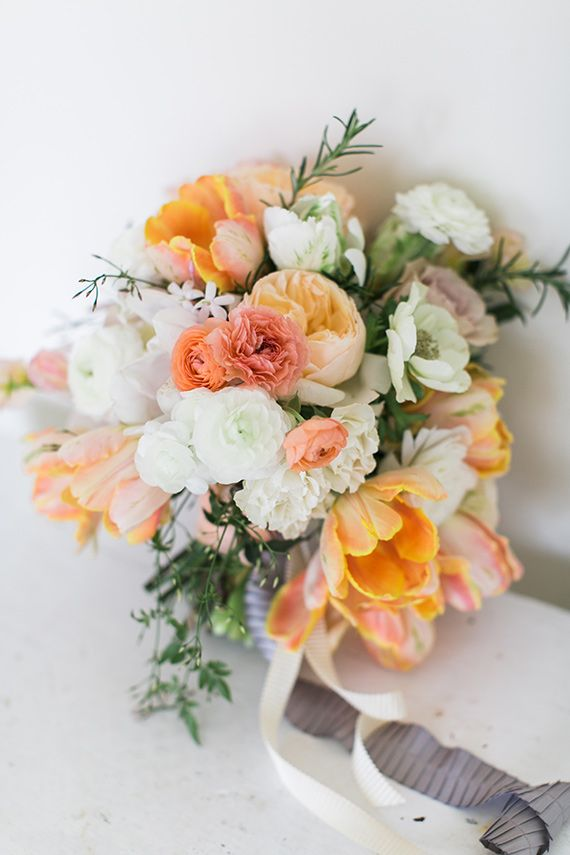 Summer hand tied bouquet idea | Flowers by Finch and Thistle Event Design | Photo by Stephanie Cristalli Photography | 100 Layer Cake