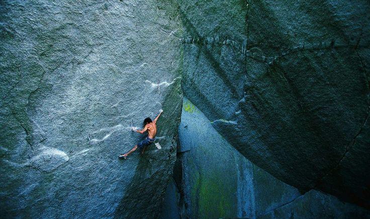 Curtis Suave on Silent Menace (5.14a), Cacodemon Boulders, Squamish, British Columbia. (Photo: Jim Thornburg)