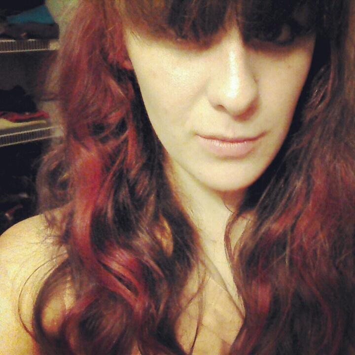Red Hair Streaks   Dark Brown Hairs