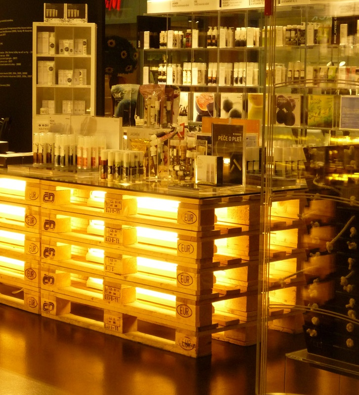 pallet bar wedding ideas pinterest