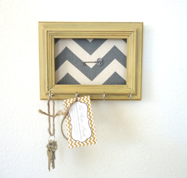 Key holder wall hook chevron frame organizer french for Picture frame organization wall