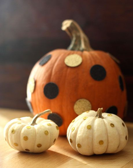 i think polka dots were my favorite pumpkin decorating trend this year - what about you?