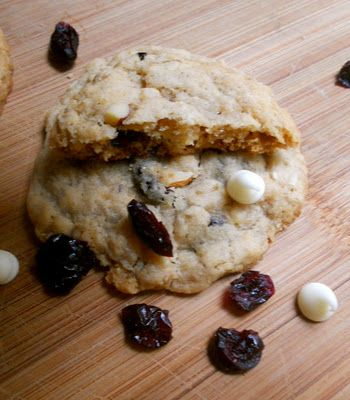 Blueberry, Oatmeal, Almond & White Chocolate Chunk Cookies   My ...