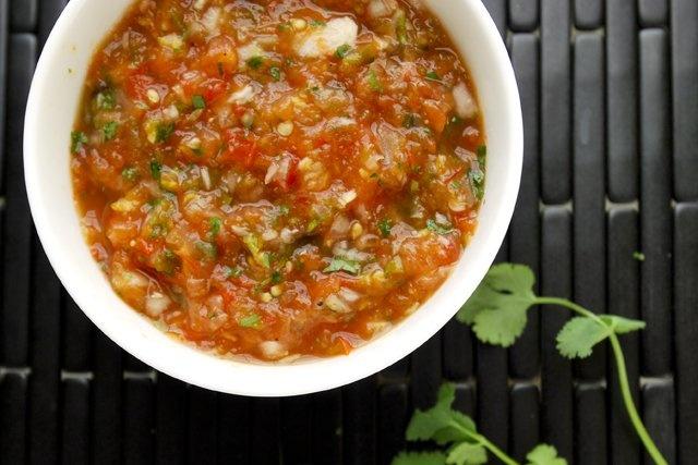 Roasted Tomato Salsa Recipe | Noms | Pinterest
