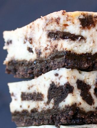 Cookies and Cream Cheesecake Bars #recipe | RecipeGirl.com