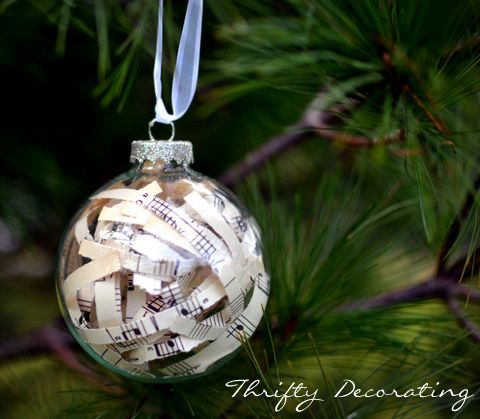 DIY Pretty Vintage-Style Ornaments! ~ pretty up your tree with this fun, thrifty craft! #Christmas #ornament