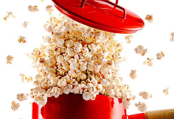 Tbsp oil and 1/4 cup popcorn kernels. Perfect popcorn! Yum!