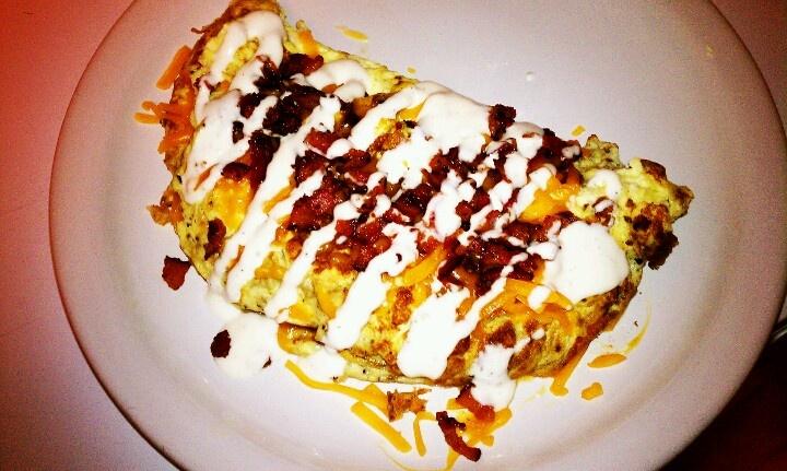 Egg Cheddar Bacon Ranch Omelet   Delicious!   Pinterest